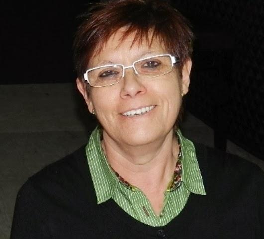 Pliegos volantes: La escritora Elena Casero